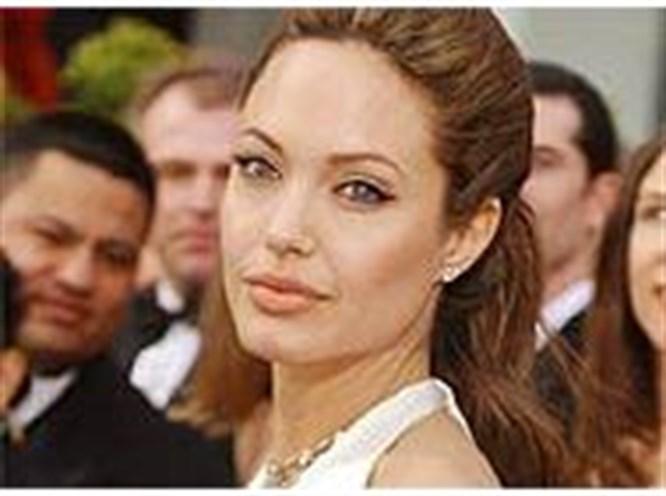 Angelina Jolie Pakistan'da!
